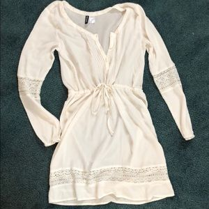 H&M Divided dress with beautiful lace detail! Sz 6